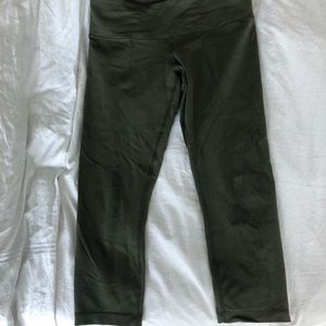 Lululemon Crop Wunder Under Leggings